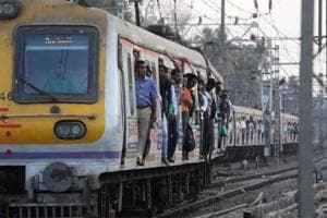 Mumbai commuters' tweets, prompt railway officials save life of man...