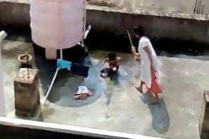Cuttack: Woman beats niece with broomstick, arrested after video goes...