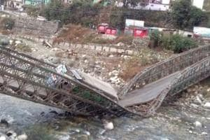 Bridge connecting Uttarkashi to China border collapses
