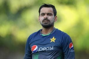 Mohammad Hafeez visits England to undergo remedial work on his bowling