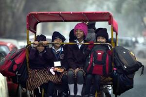 Delhi to see further dip in temperature on Friday, air quality remains...