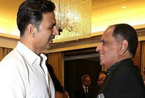 Pahlaj Nihalani criticises Akshay Kumar; gets called out