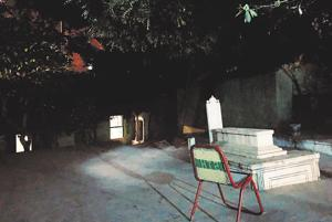 Delhiwale: A graveyard that feels too alive