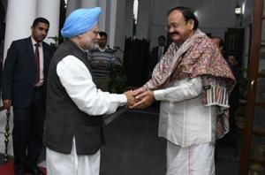 Manmohan meets Venkaiah ahead of Parliament session, Cong serves...