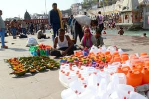 Banned plastic products being sold openly at Har-Ki-Pauri in Haridwar.