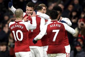 Premier League: Arsenal, Chelsea win 1-0; Christian Benteke ends goal...