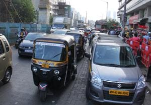Illegal parking, Mumbai Metro work clog Link road in Malad; residents...