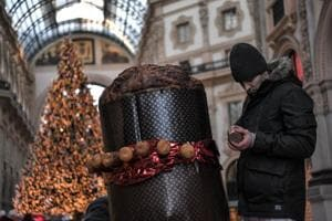 In pics: Italy bakes world's biggest Christmas cake panettone