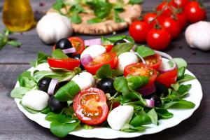Want to be healthy? Combine Mediterranean diet with moderate exercise...