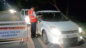 Cops fined 118 drivers for speeding and 142 persons for wrong parking in different parts of the city.