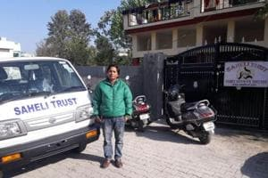Uttarakhand's  first female cab driver gives free driving lessons to...