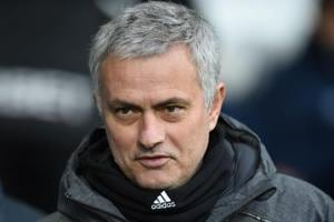 Jose Mourinho refuses to give up on Manchester United's title hopes