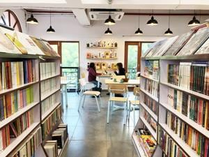 Read and eat: The fourth Bahrisons in Gurgaon has a café too
