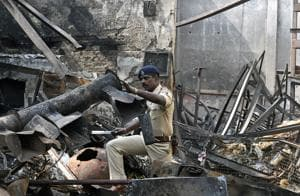 Mumbai cops arrest owner of illegal Andheri shop that caught fire,...