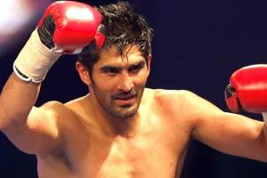 Vijender Singh will face Ernest Amuzu of Ghana in the tenth bout of his professional boxing career in Jaipur.