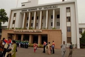 IITs see 5% decline in campus placements