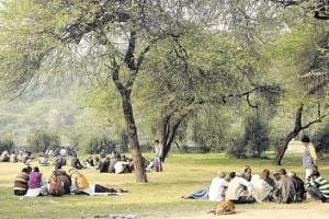 The Sanjay Jheel Park in Mayur Vihar is guarded by just 10 men with lathis. It is notorious for snatching.