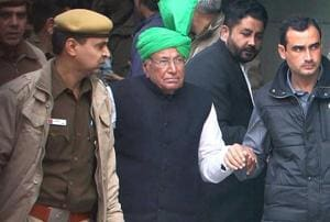 File photo of former Haryana chief minister Om Prakash Chautala being taken to jail from a Rohini court in New Delhi.