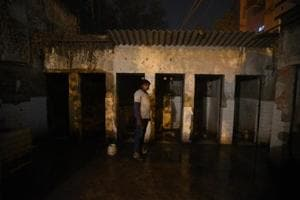 Unsafe public toilets of Delhi force residents to relieve themselves...