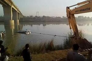 At least 22 killed as bus falls into river in Rajasthan's Sawai...