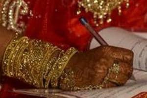 Interfaith marriage: Hindutva activists create ruckus at wedding...