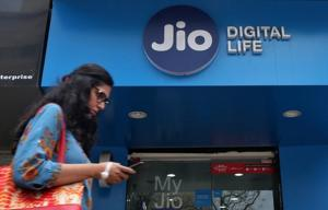 Reliance Jio tops 4G download speed chart at 19.6Mbps in October: TRAI