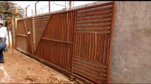School gate falls on 2 kids killing them