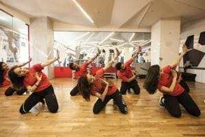 Aarti Pandey (centre) holding a Folk Fitness session.