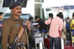 Travelling without luggage might land you in the suspicious passenger category and cause extra checking at Delhi's Indira Gandhi International Airport (IGIA).