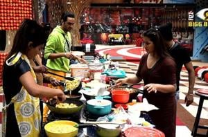 Bigg Boss 11 Dec 26 written update: Akash's mother reiterates Vishal...