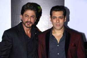 Shah Rukh Khan sings birthday song for Salman Khan