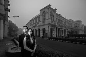 A pre-wedding shoot inspired by the rising pollution level in Delhi shows a couple wearing face masks.