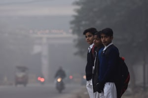 Traffic cops issue advisory as Delhi wakes up to a foggy morning, 20...