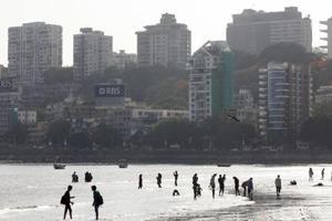 Mumbai's GirgaumChowpatty to get water sports, ferries and sea planes