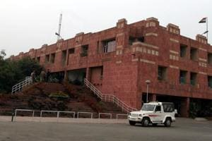 JNU compulsory attendance move faces resistance from students,...