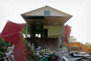 Noida: Illegal farmhouses on Yamuna floodplains demolished