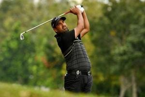 Shiv Kapur two behind leader, stays in hunt for third golf title of...