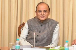 Finance Minister Arun Jaitley chairs a pre-Budget consultation meeting with financial sector regulators, in New Delhi .