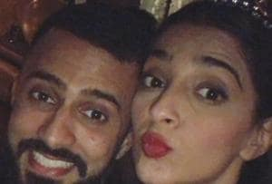 Sonam Kapoor has the cutest New Year celebration with Anand Ahuja. See...