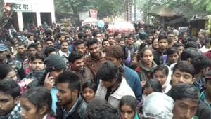 Rush in front of the Lucknow Zoo ticket counter.