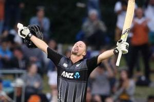 Colin Munro becomes first man to smash three T20 international...