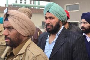 After the death of Inderpreet, who was a former vice-president of the Chief Khalsa Diwan, Harjit Singh (centre) is the only other son of Charanjit Singh Chadha besides a daughter.