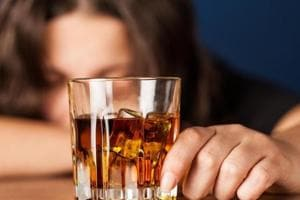 Can a man's scent cause you to drink more alcohol? This study says yes...