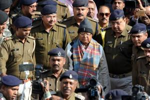Fodder scam hearing: Lalu says too cold in jail, judge asks him to...