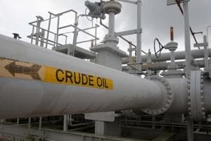 US likely to dethrone Russia, Saudi to become world's top oil producer...