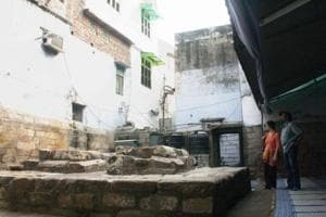 Razia Sultan's grave in old Delhi's cramped Bulbuli Khana.