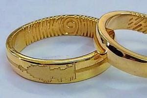 Four to five employees of a businessman from Pali Hill in Bandra are being questioned by the police in connection with the theft of a diamond-studded gold ring worth Rs12 lakh.