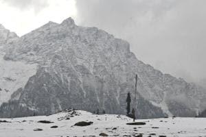 Photo shows snowfall in Sonamarg, 89 km from Srinagar. An avalanche struck Jammu and Kashmir's Kupwara district, killing six people.