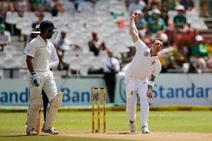 Dale Steyn (R) troubled India's batsmen greatly with his pace and bounce before hobbling off with an injury.