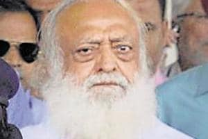 Explain manhandling of Asaram's counsel: HC to SHO